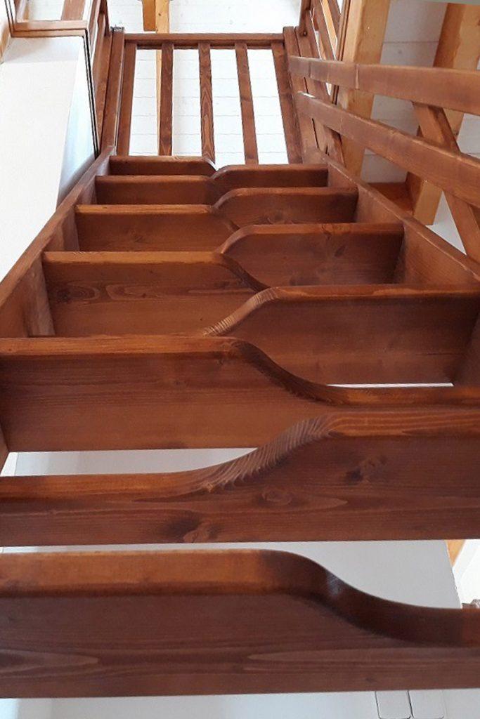 Bystrý smrkové schody rovné realizace krátké zdola