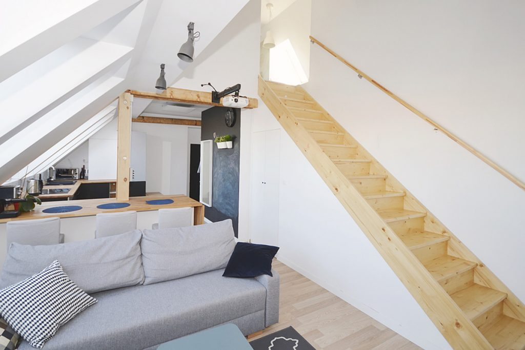 Bystrý smrkové schody rovné světlé realizace do patra